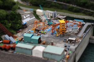 発電所工事現場のミニチュア風写真