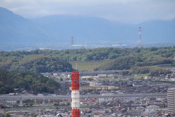 四日市港ポートビルから見た伊坂ダム