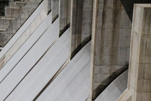 野洲川ダム~洪水吐を望む~