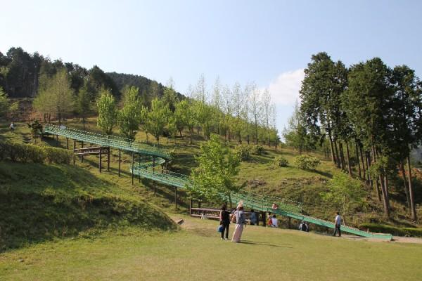 青土ダムエコーバレイの滑り台