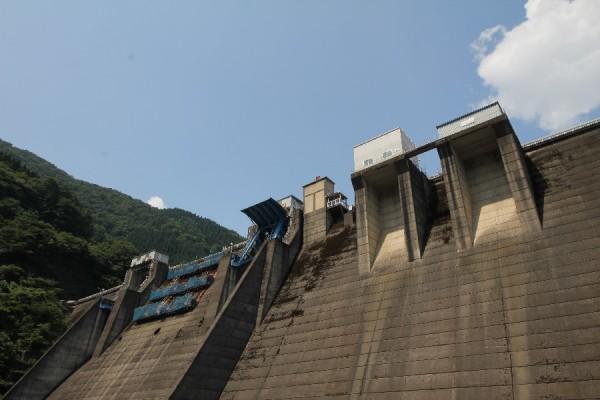 横山ダム(クレストアップ)