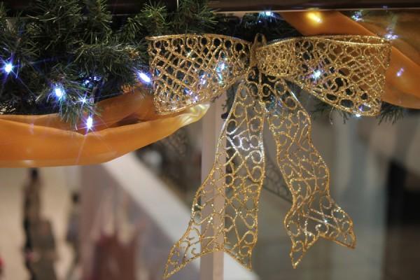 ミッドランドスクエア内のアトリウム手すりの装飾